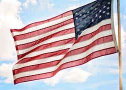 american-flag-825731__180.jpg